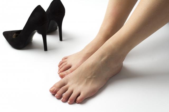 指 付け根 の 痛い 足